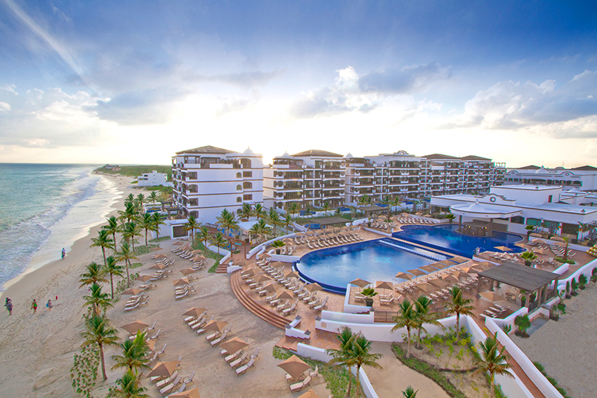 Grand Residences by Royal Resorts